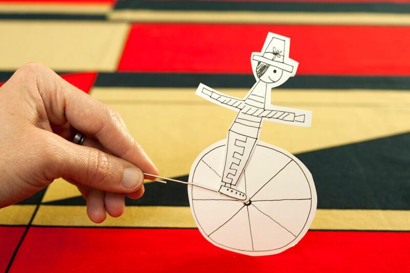Como fazer um equilibrista para dia do circo